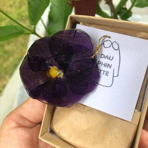 Dauphinette *real* Pressed Pansy Earring BRAND NEW